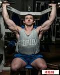 实用肩部训练动作:站姿杠铃推举